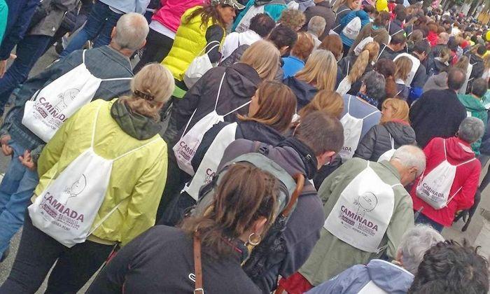 Participants en una edició anterior de la caminada