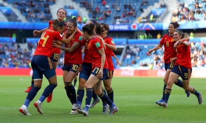 Les jugadores de la selecció espanyola celebren un gol. Foto: rfef.