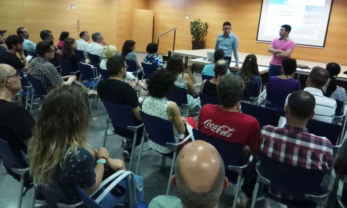 Trobada del regidor de Promoció Econòmica amb les persones contractades. foto: Ajuntament