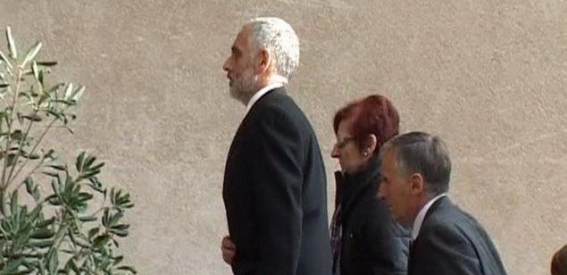 Imatge del detingut a l'hora d'accedir a l'església de Vilassar de Dalt, el dia del funeral de Carme Blanch. Imatge extreta d'un frame de video.