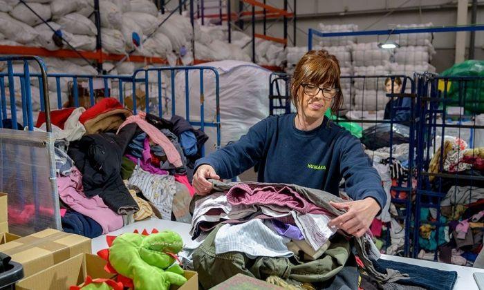 Imatge de la recollida de roba a Humana. Foto: cedida