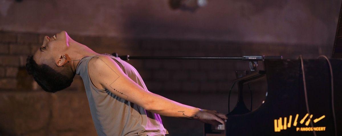 "Clara Peya al documental ""Les Resilients"""