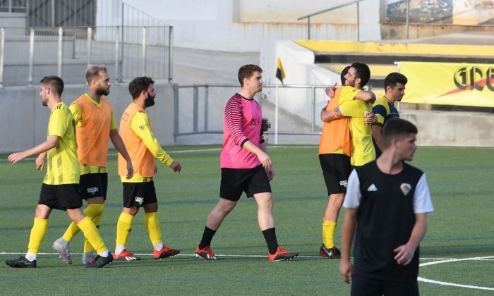 El CE Mataró celebra una altra victòria. Foto: R. Gallofré