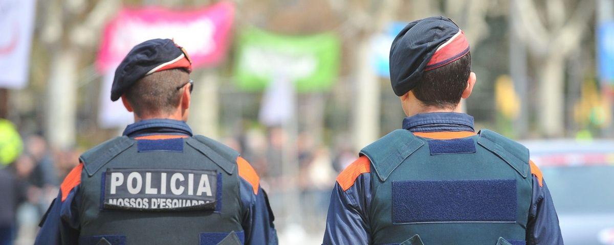 Policia Mossos d'Esquadra.