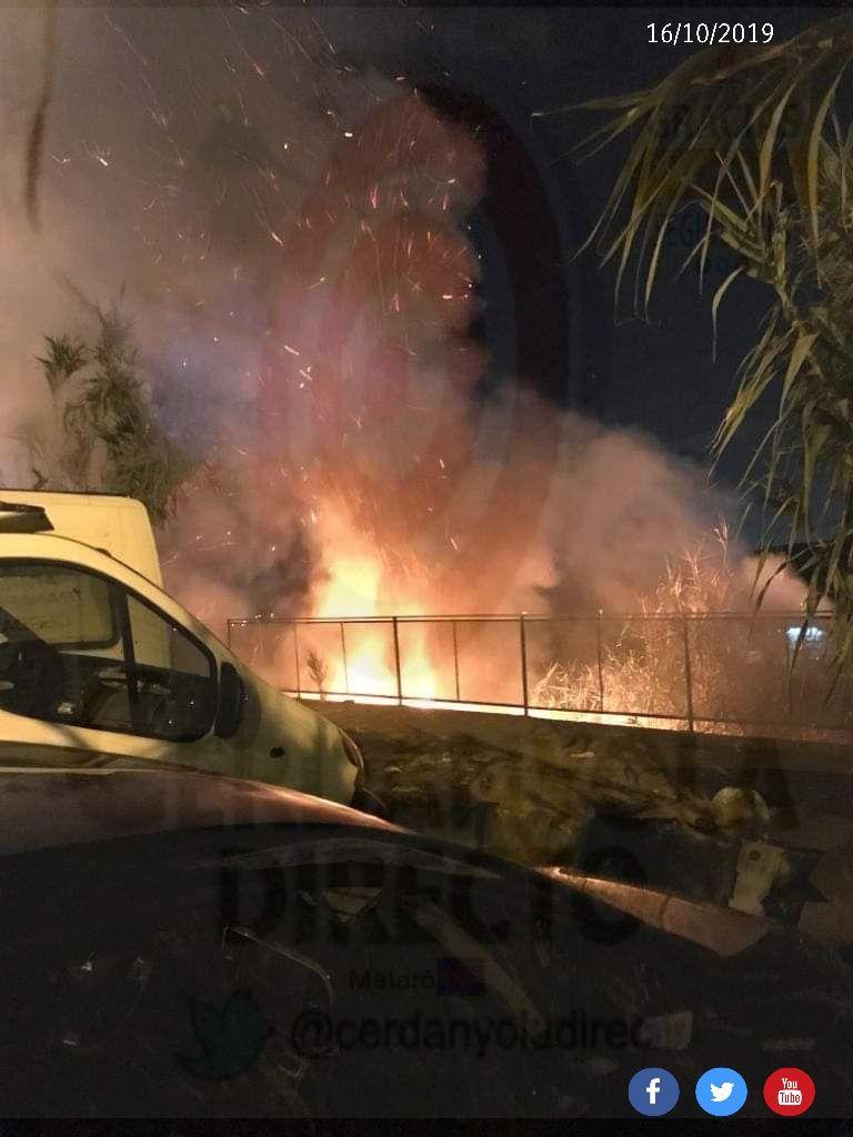 Incendi a tocar de la Torre de Can Palauet. Foto: Cerdanyola Directo