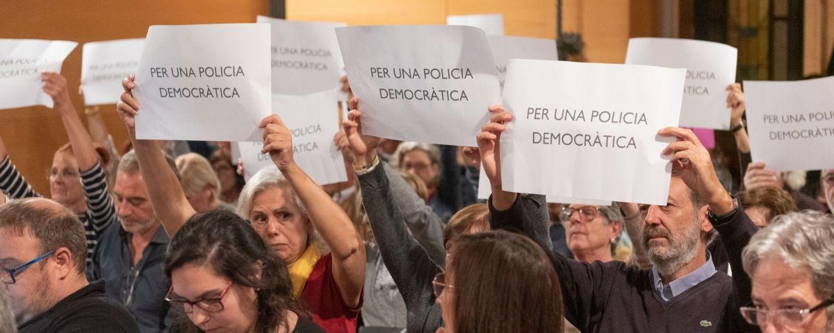 Protesta al Ple Municipal. Foto: R.Gallofré