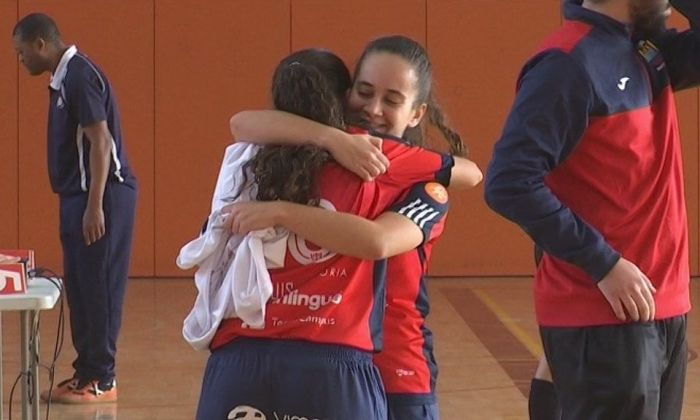 El Futsal femení millora, però no suma davant el líder.