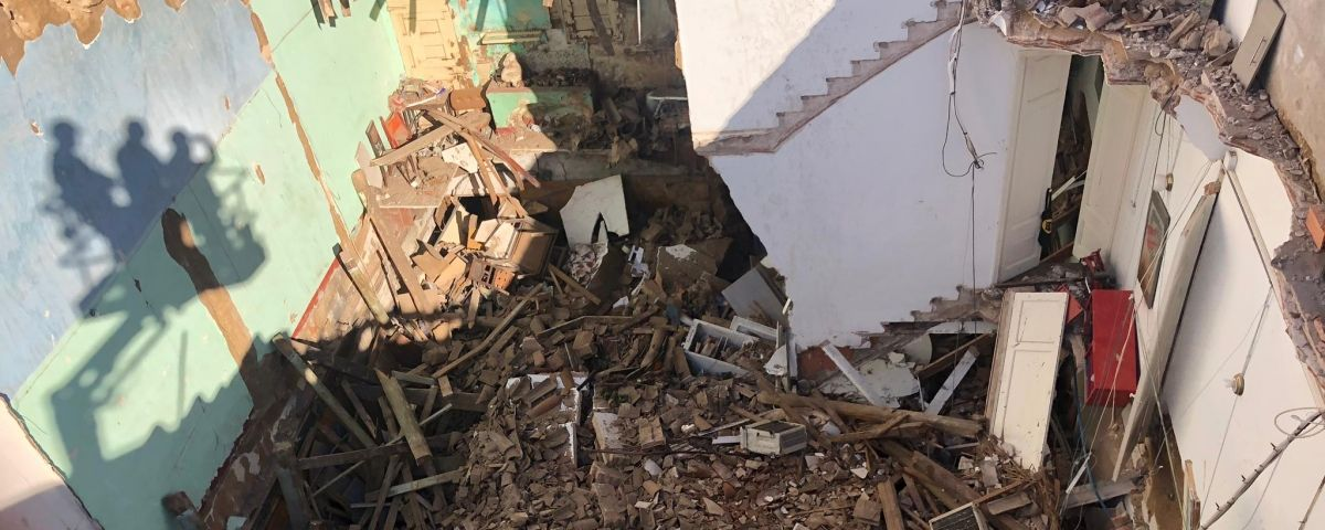 Les cases esfondrades del carrer Santa Teresa. Foto: Pep Ros