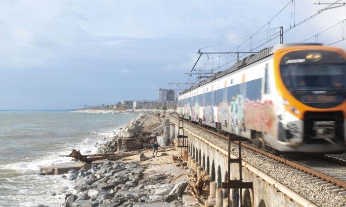 Tren per la costa. Foto: R. G.