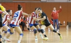 Handbol femení JHM Mataró - Sant Joan Despí. Foto: R.Gallofré