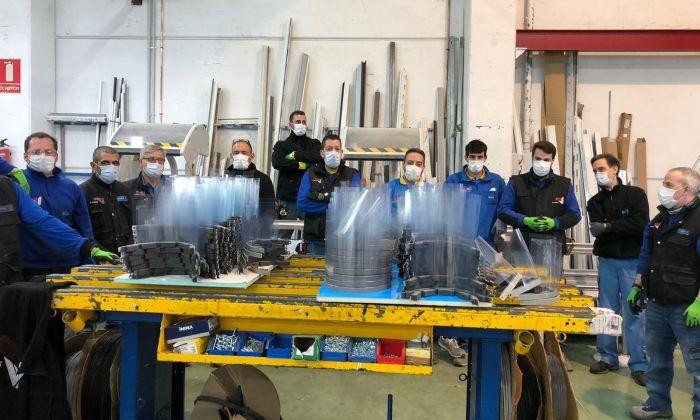 fabricació de mascaretes a Aluminis Iluro
