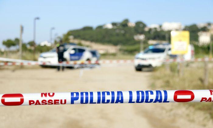 Precinte policial a la platja del Cavaió d'Arenys de Mar. Foto: ACN