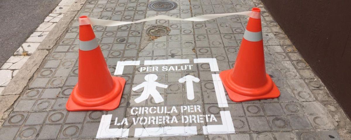 Un dels pictogrames a les voreres dels carrers de Mataró. Foto: Ajuntament