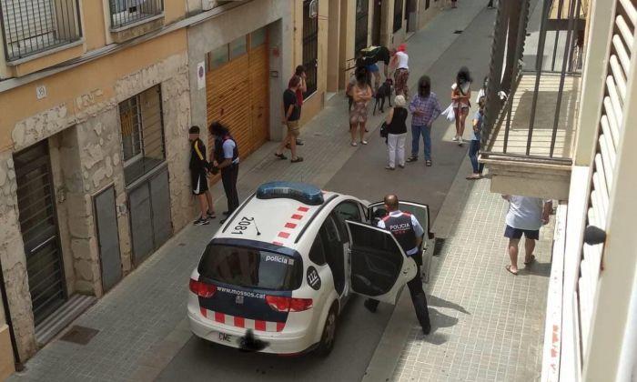 Detenció d'un lladre al carrer d'Amàlia, diumenge passat. Foto: cedida