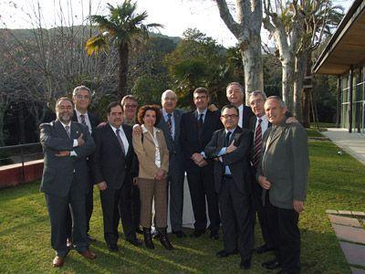 Bagó, sisè per l'esquerra i Ferrer, tercer per l'esquerra, amb els membres actuals del Consell de la Delegació del Maresme.